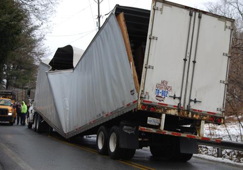 damagedtruck500w