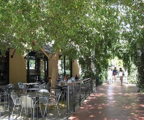 walkable Aggie Village, Davis, CA (photo courtesy of Calthorpe Associates)