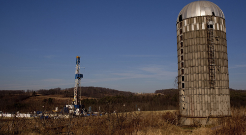 A natural gas well is drilled in a rural field near Canton in Bradford County, Pennsylvania January 7, 2012.  Bradford County is currently at ground zero for fracking the Marcellus shale in the Northeastern United States.  Shale gas production has skyrocketed in recent years thanks to advances in fracking, which involves injecting a cocktail of water, sand and chemicals into the ground to extract fuel. Taken January 7, 2012.